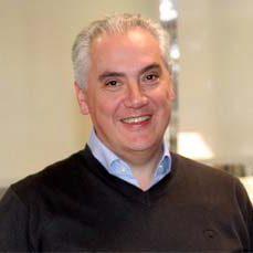 <b>Vicente Lucci</b></br>Industria